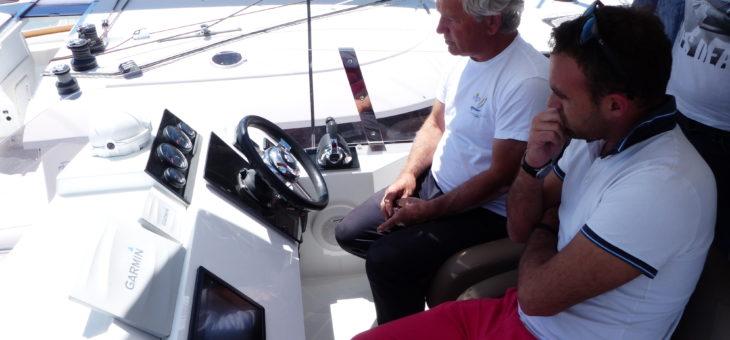 Location catamaran à moteur